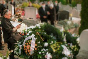Online temetés közvetítés? – Riport
